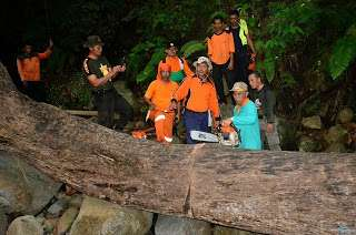Kisah Menegangkan Walikota Padang Ekspedisi Membersihkan Hulu Sungai Antisipasi Banjir Bandang