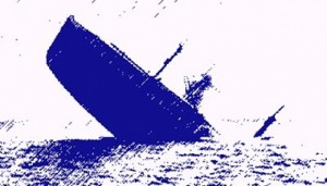 Perahu-Terjungkal-Puluhan-Penumpang-ercebur