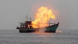 TNI-AL-Bantu-KKP-Tenggelamkan-6-Kapal-Pencuri-Ikan