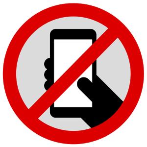 dilarang-menggunakan-smartphone