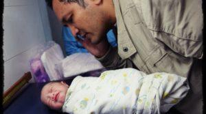 G1cmHrJ-ini-alasan-kenapa-bayi-baru-lahir-harus-di-adzankanjpg